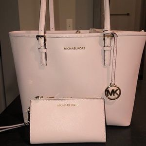 ✨NWT ✨ Micheal Kors Blossom Tote and Wallet Bundle
